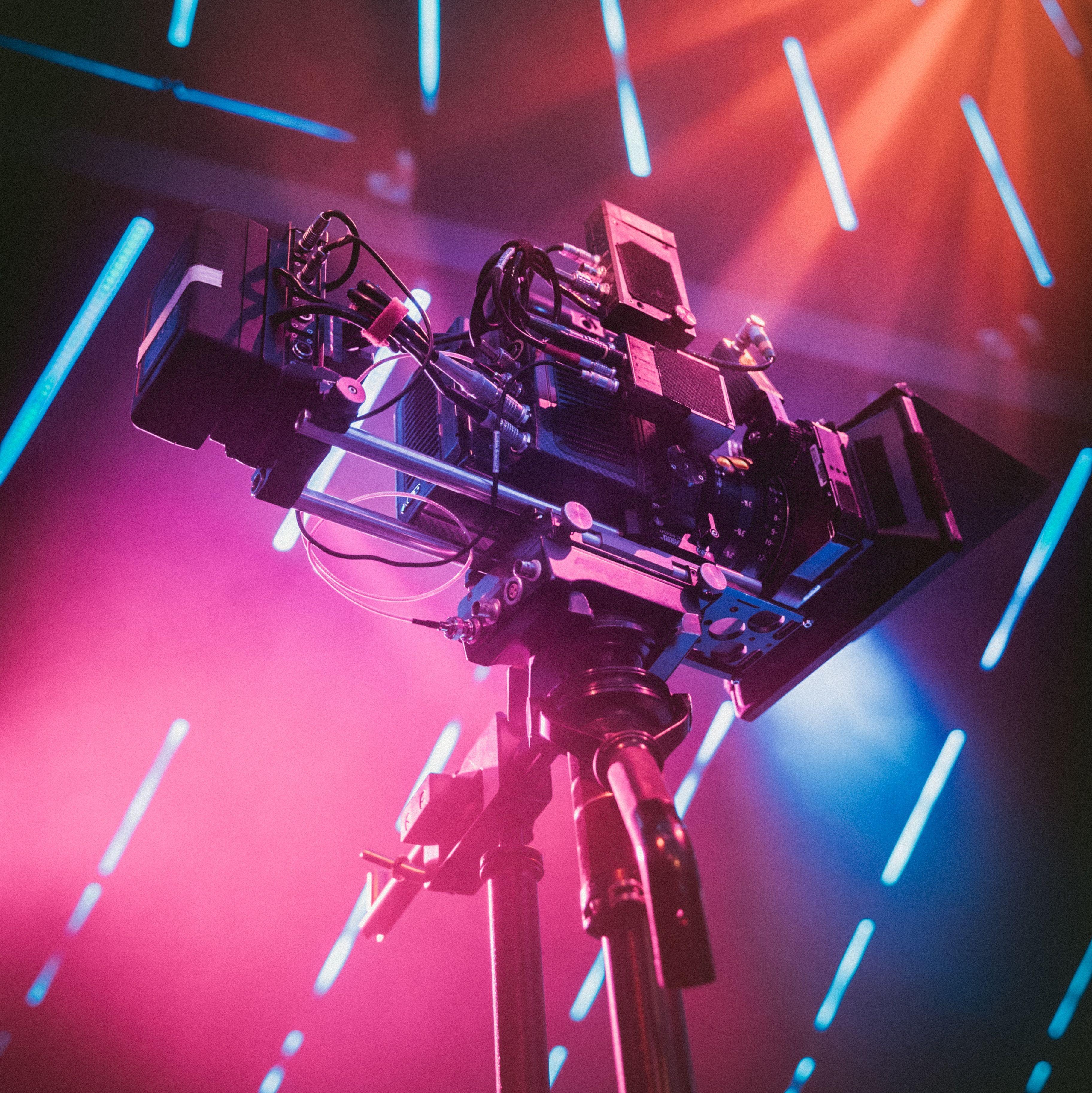 Corporate Videos: Die beste Ausrüstung  https://tonno-digitale.de/artikel/mit-dieser-ausrüstung-gelingt-ihr-unternehmensvideo